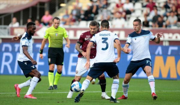 Immobile su rigore risponde a Pjaca, Torino-Lazio 1-1